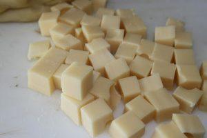 كرات محشية بالجبن